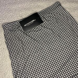 NWT Pretty Little Thing houndstooth skirt